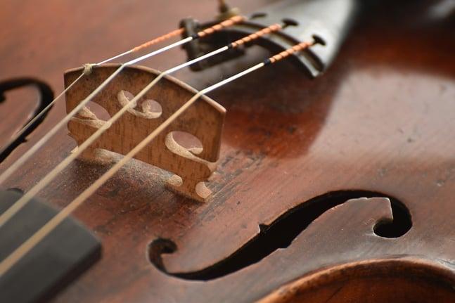 Entretenir les cordes de son violon