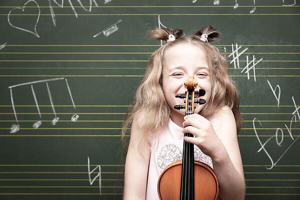 le violon et les enfants