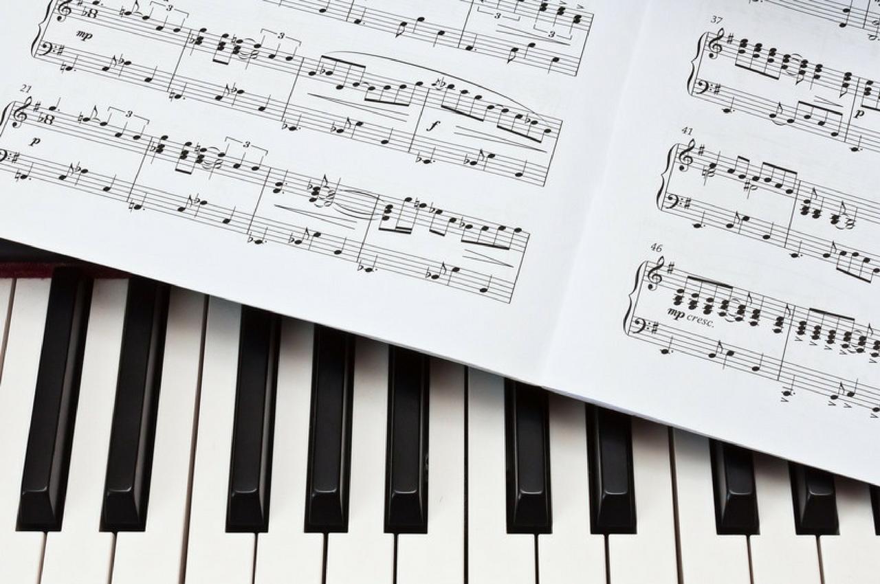 piano electronique ou acoustique