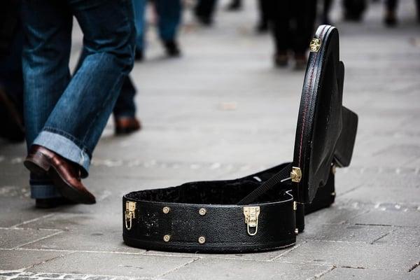 Transporter la guitare