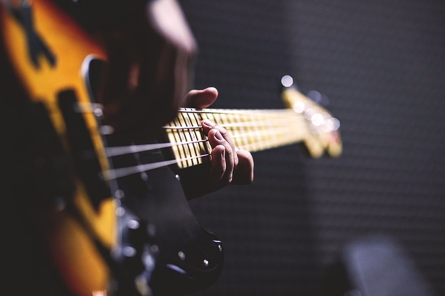 jouer de la guitare electrique