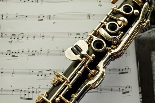 jouer de la clarinette