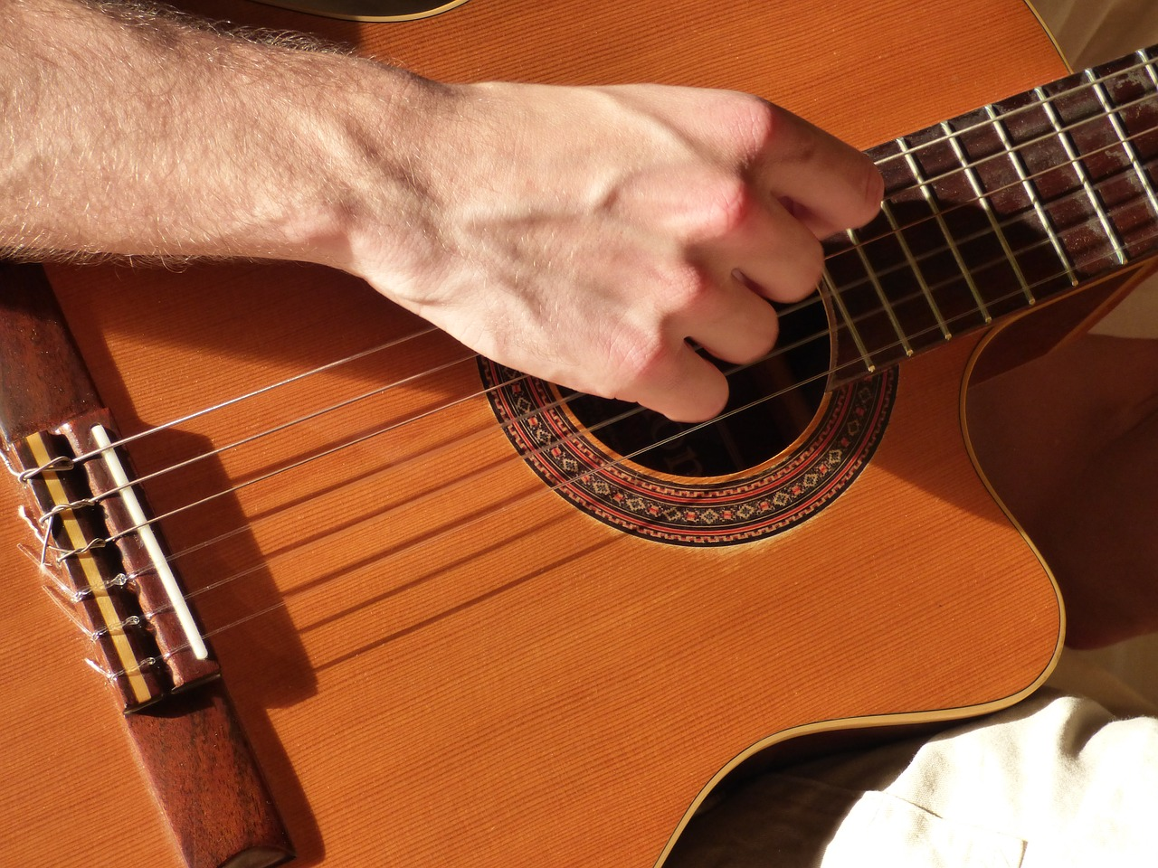 guitar-1812780_1280 (1).jpg