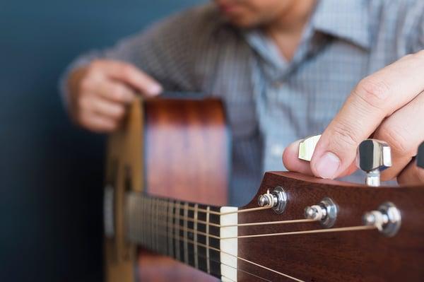 Difficultés des guitaristes gauchers