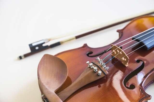 location d'un violon avec archet et housse de protection