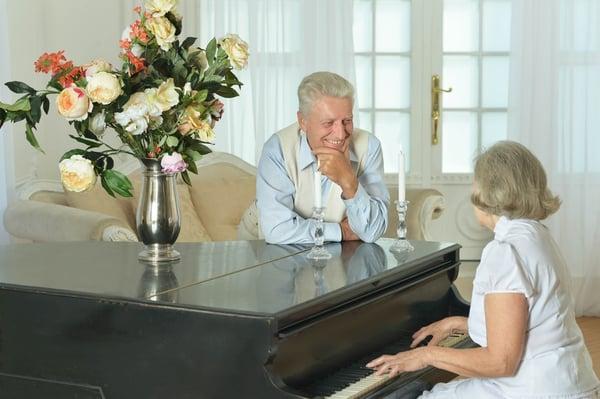 senior-piano