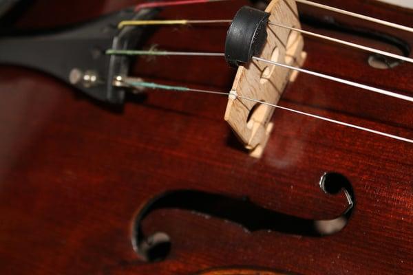 Comment utiliser une sourdine - Allegro Musique