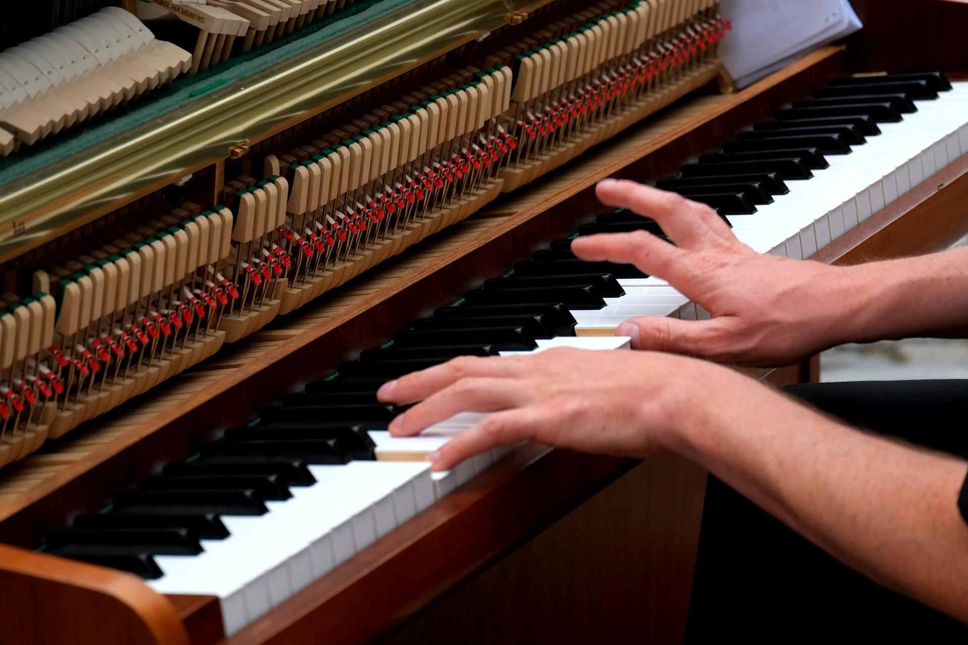 Image à la une_ Exercices_de_debutants_pour_delier_ses_doigts_au_piano