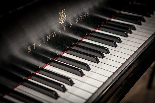 piano-3608945__340